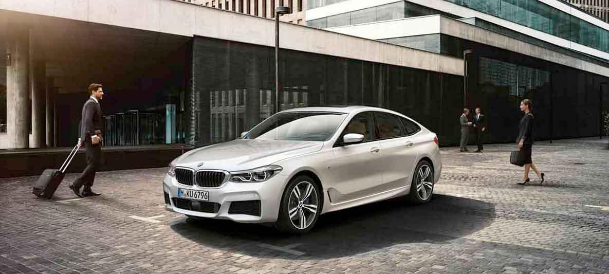 Les partenaires commerciaux souscrivent à l'abonnement BMW.